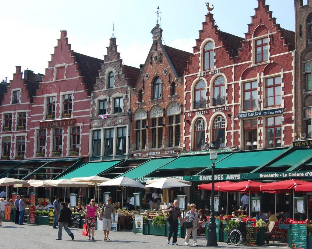 Place centrale Bruges