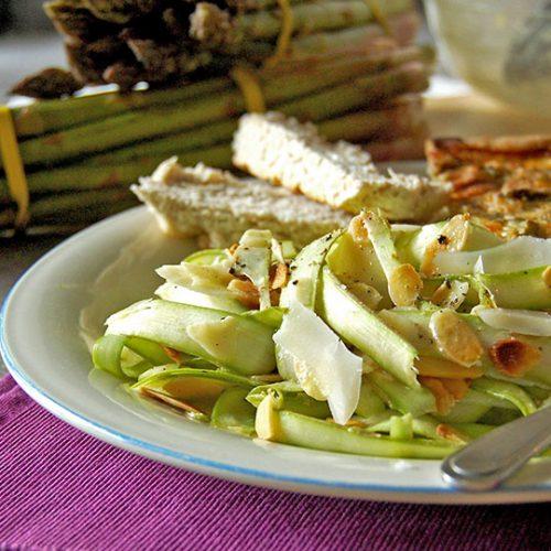 Rubans d'asperges au citron et parmesan