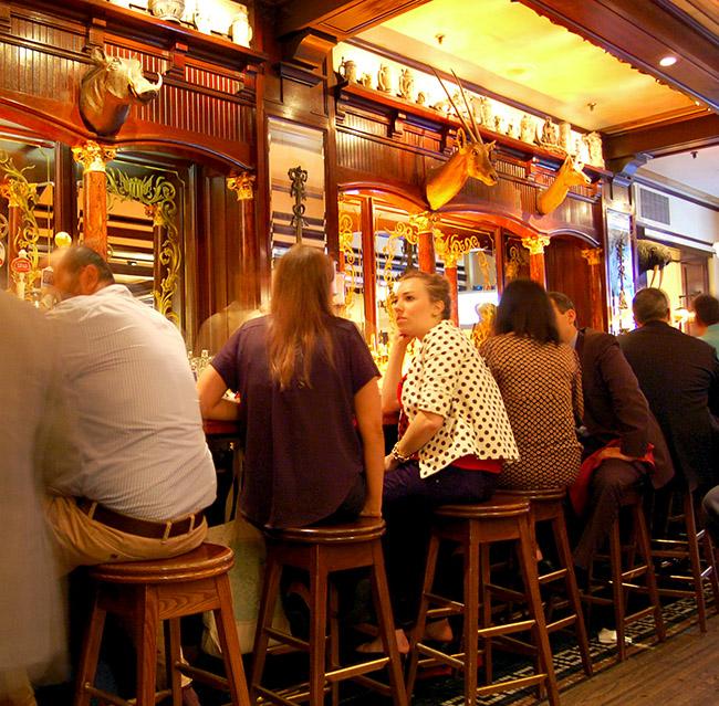 Bar du Old Ebbit Grill