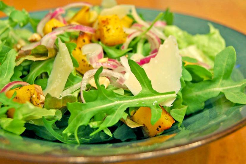 salade de roquette à la courge rôtie