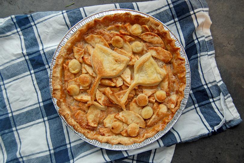 Tarte aux pommes et caramel au cidre et à l'érable